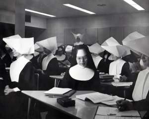 Marillac College students in class, 1960. Some twenty-five communities sent Sisters to Marillac and all took classes together (used with permission of Daughters of Charity Provincial Archives)